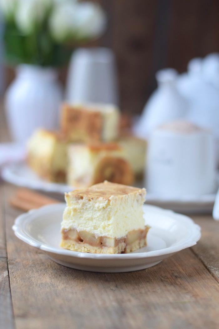 Zimtschnecken Cheesecake - Cinnamon Roll Cheesecake #cinnamonroll #cheesecake #zimtschnecken (8)
