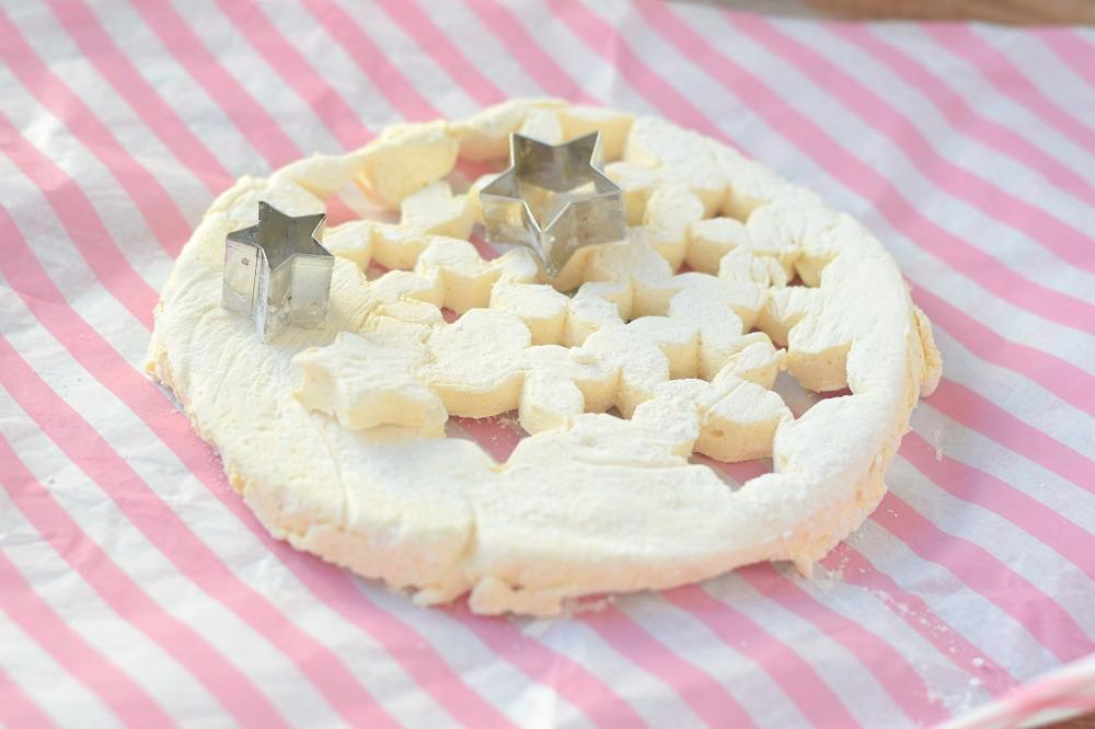 Schokokuchen mit Lieblingsschokolade und Zimt Marshmallows (20)