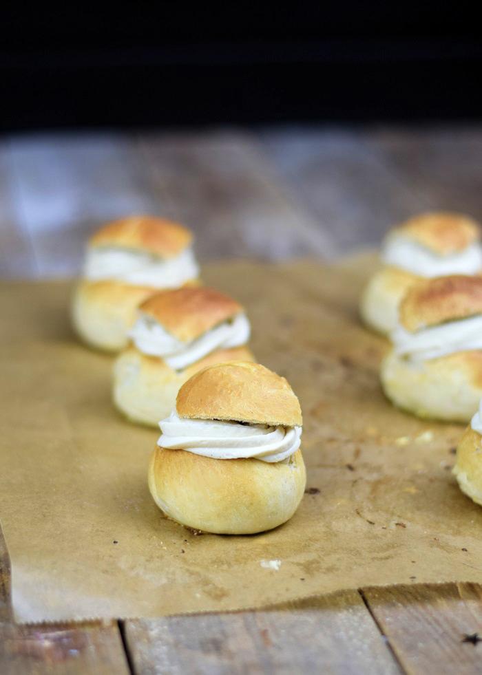 Semlor Schwedische Pfannkuchen mit Baileys Creme (2)