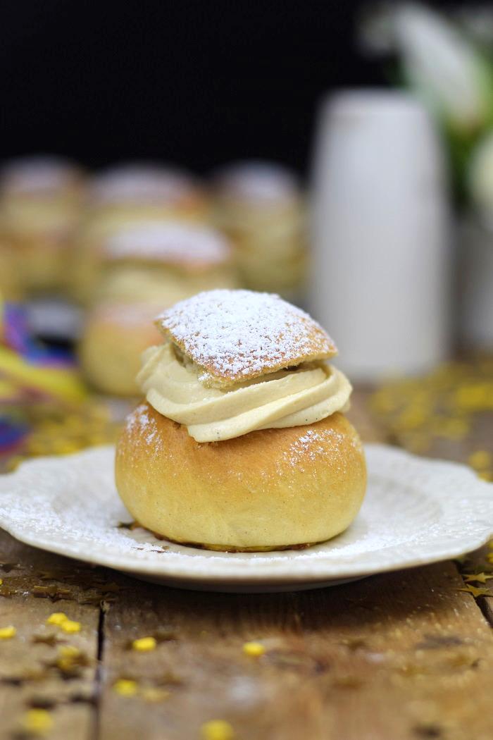 Semlor Schwedische Pfannkuchen mit Baileys Creme (7)