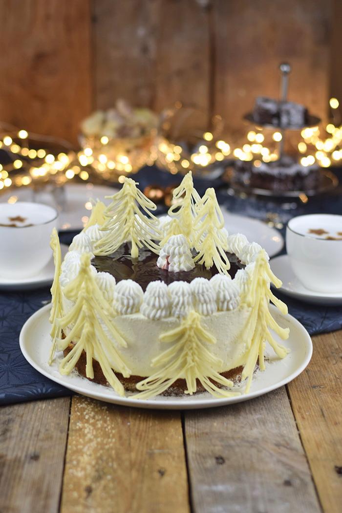 Winterliche Käse Sahne Torte mit Kirschkompott (12)