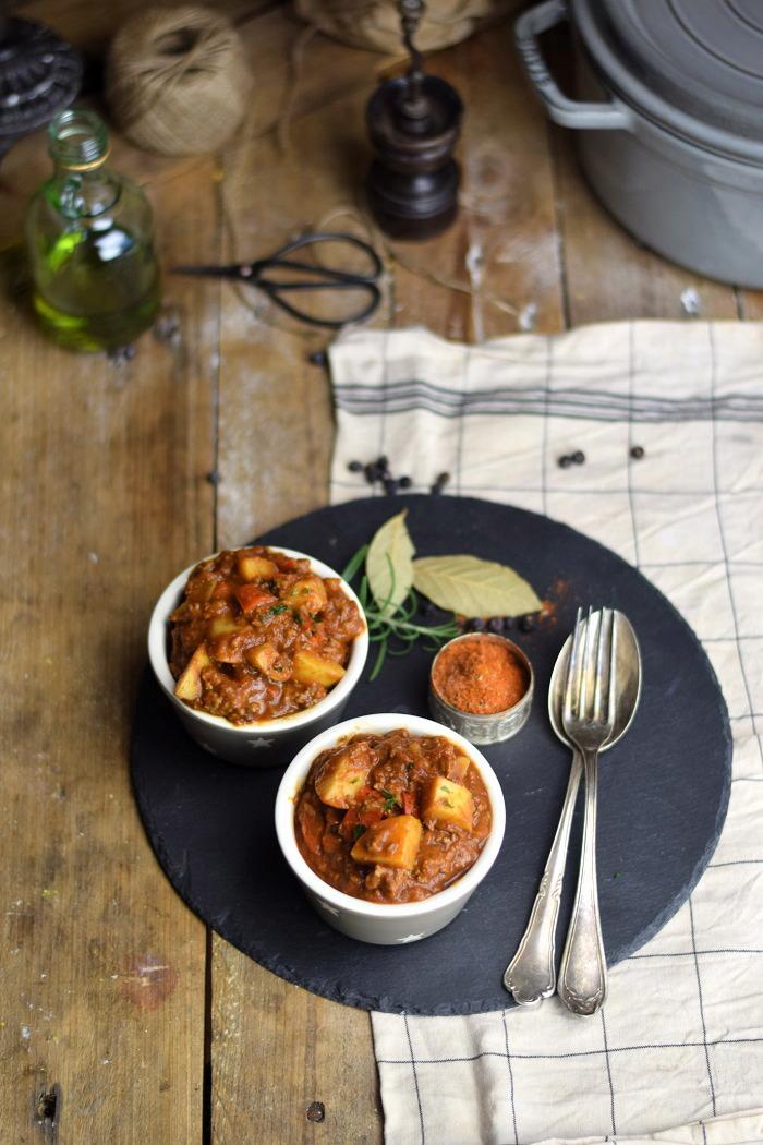 Bauerntopf mit Paprika und Kartoffeln - Stew with minced