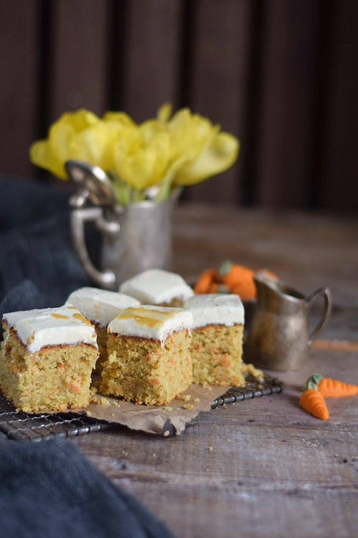 Carrot Cake mit Cream Cheese Frosting & Karamell Carrot Cake Cream Cheesecake Frosting and Caramel (7)