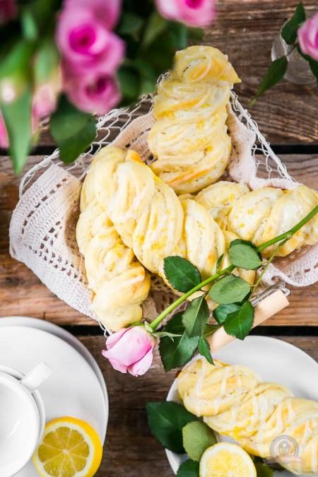 Cream Cheese Lemon Hefeteilchen