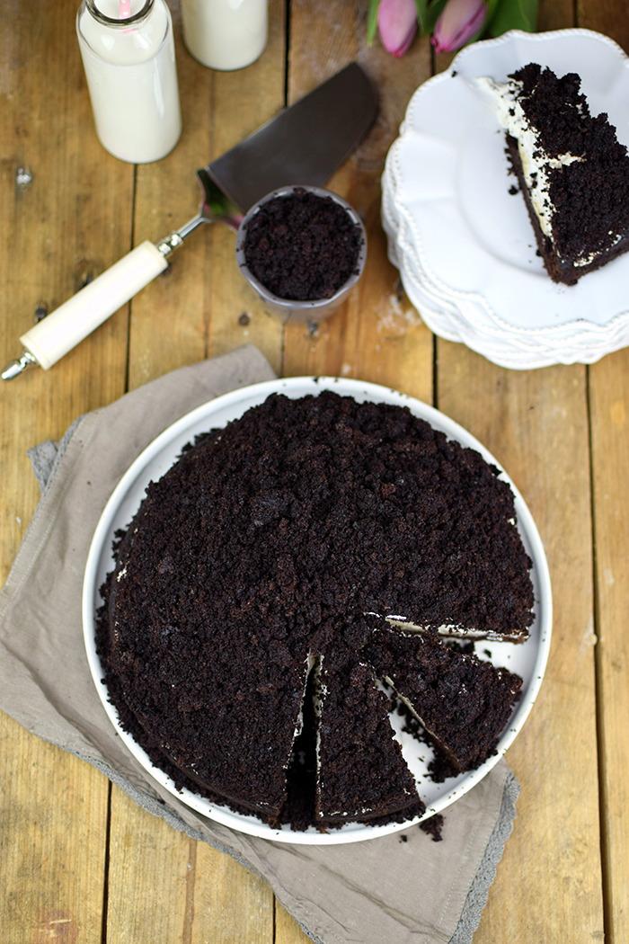 Maulwurfkuchen - Schokoladenkuchen mit Bananen und weisser Creme - Chocolate Banana Cream Cake Pie (17)