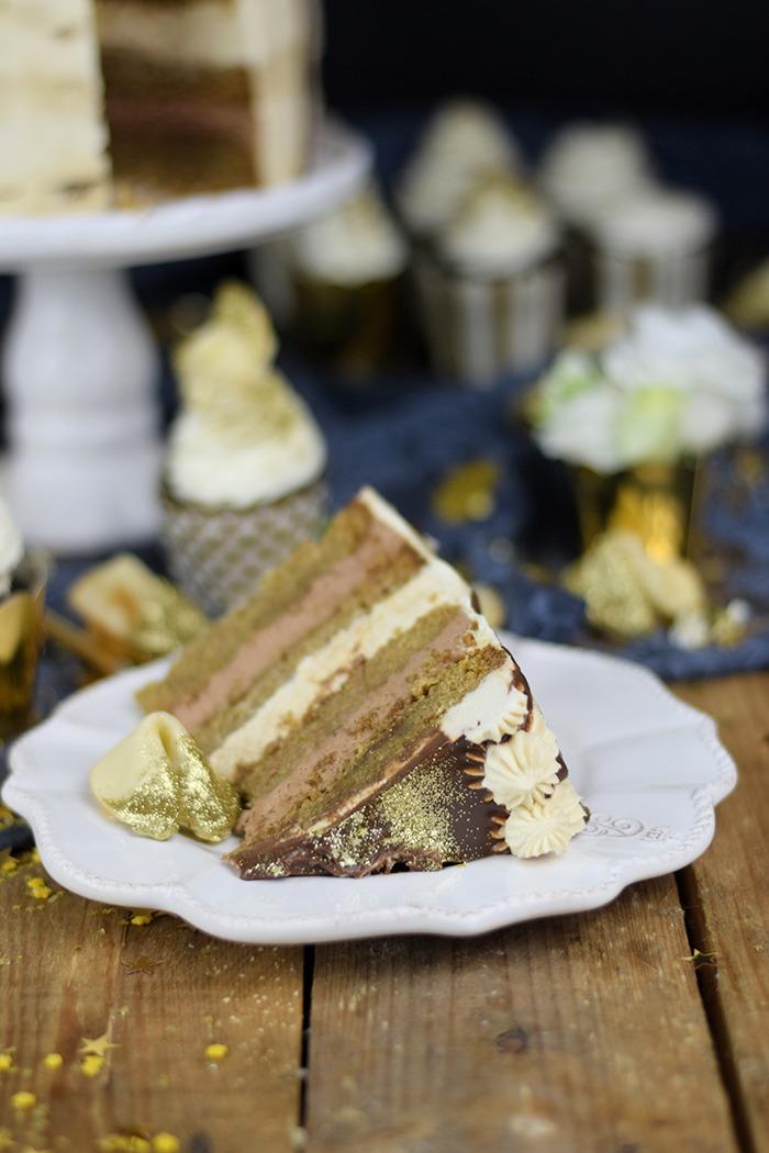 Neujahrstorte - Schoko Kaffee Mokka Torte - Guinnes Cupcakes und Glückskekse mit weisser Schokolade (13)