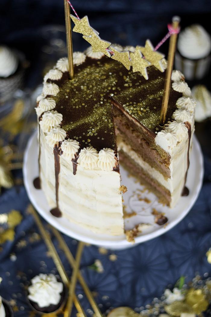 Neujahrstorte - Schoko Kaffee Mokka Torte - Guinnes Cupcakes und Glückskekse mit weisser Schokolade (15)