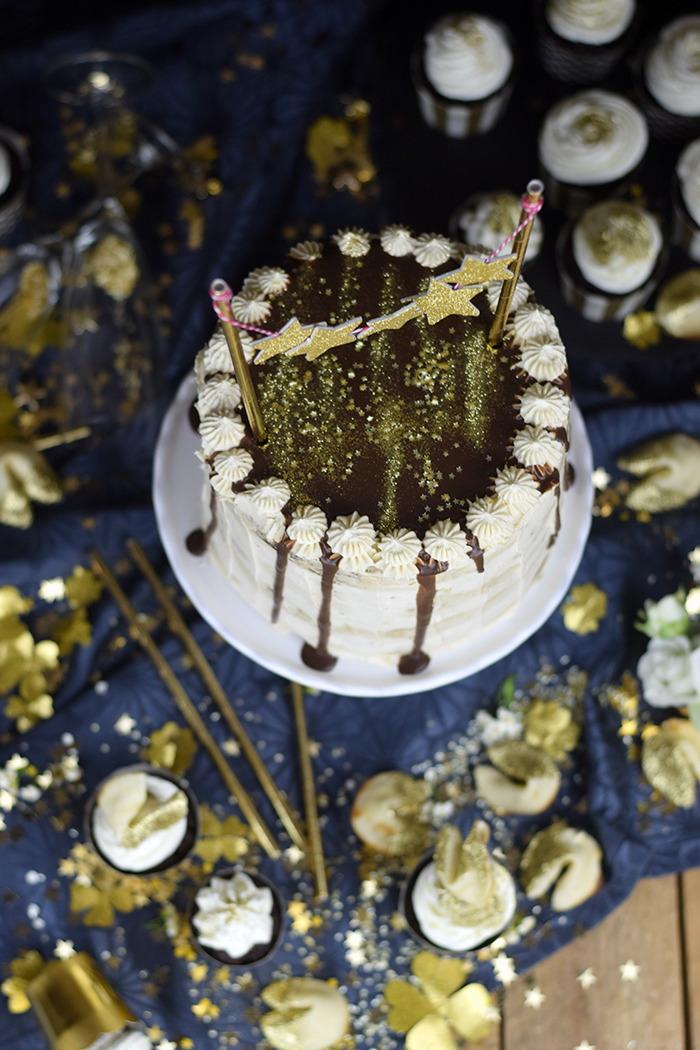 Neujahrstorte - Schoko Kaffee Mokka Torte - Guinnes Cupcakes und Glückskekse mit weisser Schokolade (17)