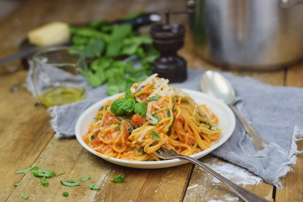 One Pot Pasta - Pasta mit Basilikum, Tomate und Spinat - One Pot Tomato Spinach Basil Pasta (19)