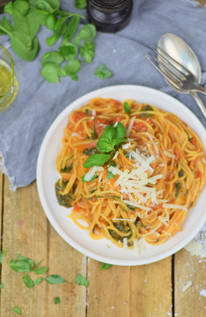One Pot Pasta - Pasta mit Basilikum, Tomate und Spinat - One Pot Tomato Spinach Basil Pasta (20)