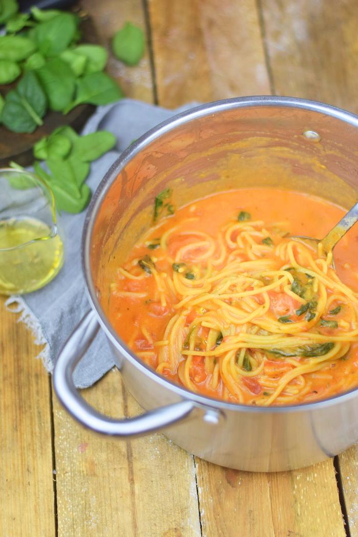 One Pot Pasta - Pasta mit Basilikum, Tomate und Spinat - One Pot Tomato Spinach Basil Pasta (7)