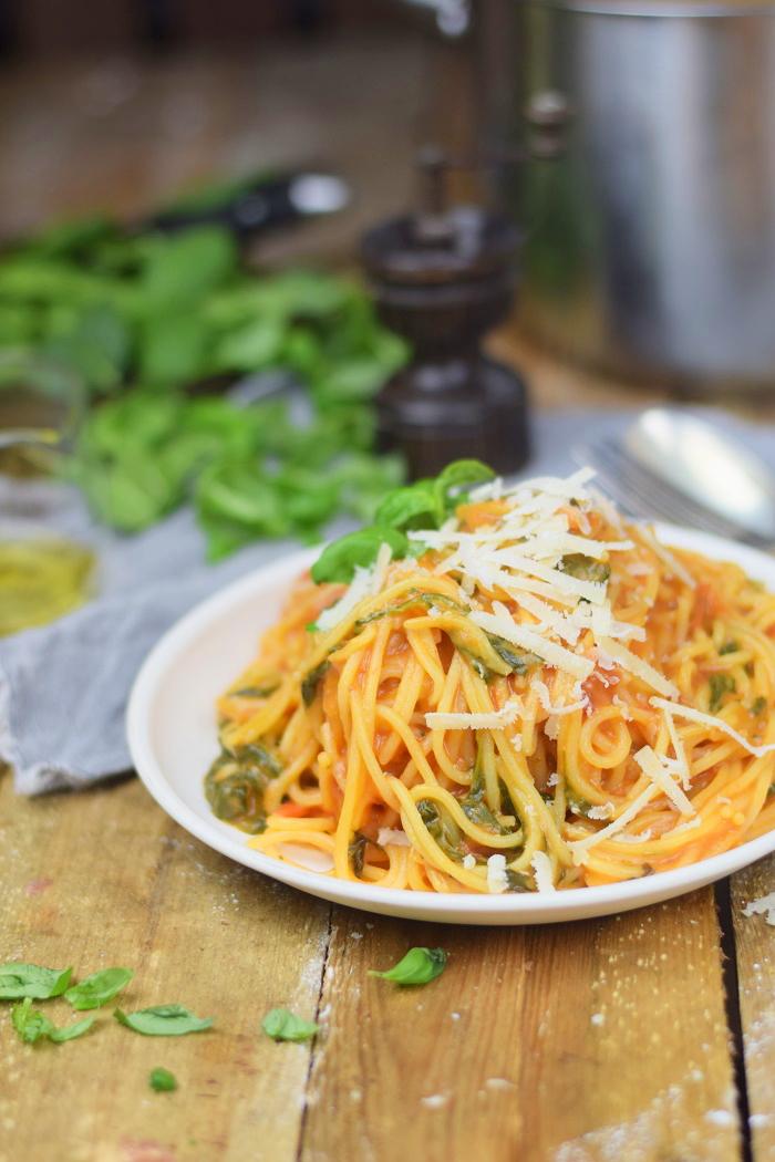 One Pot Pasta - Pasta mit Basilikum, Tomate und Spinat - One Pot Tomato Spinach Basil Pasta (8)