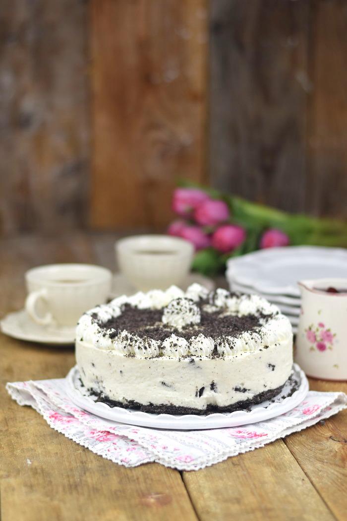 Oreo Vanille Torte mit heißen Kirschen - Oreo Vanilla Cake with Cherries (13)