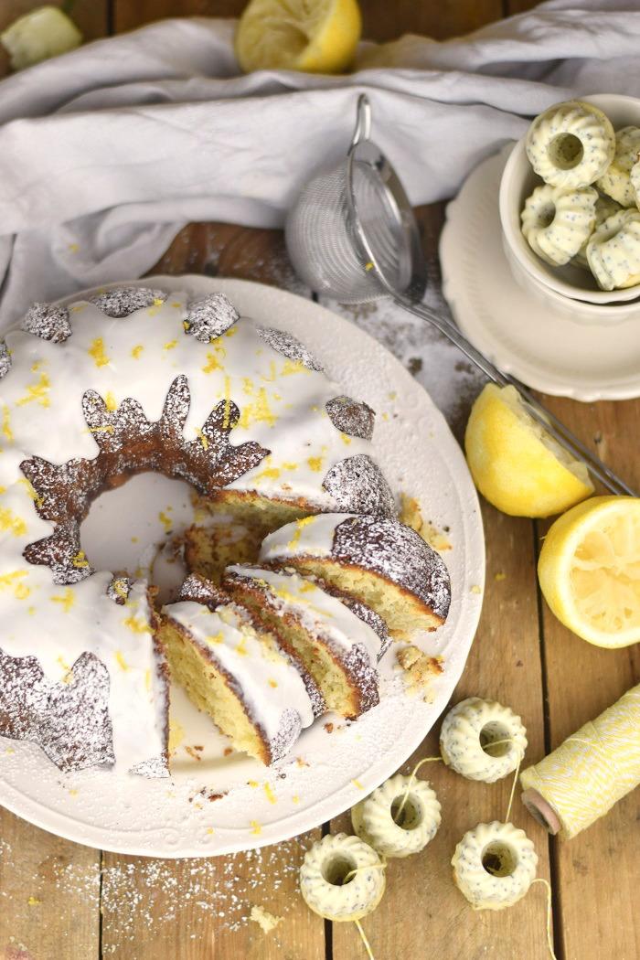 Zitronen Joghurt Gugelhupf - Lemon Yogurt Bundt Cake (17)