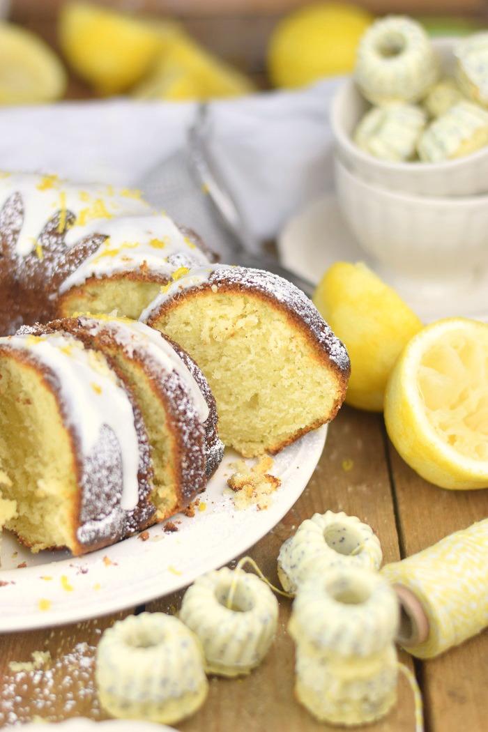 Zitronen Joghurt Gugelhupf - Lemon Yogurt Bundt Cake (24)