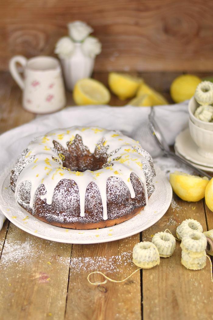 Zitronen Joghurt Gugelhupf - Lemon Yogurt Bundt Cake (5)
