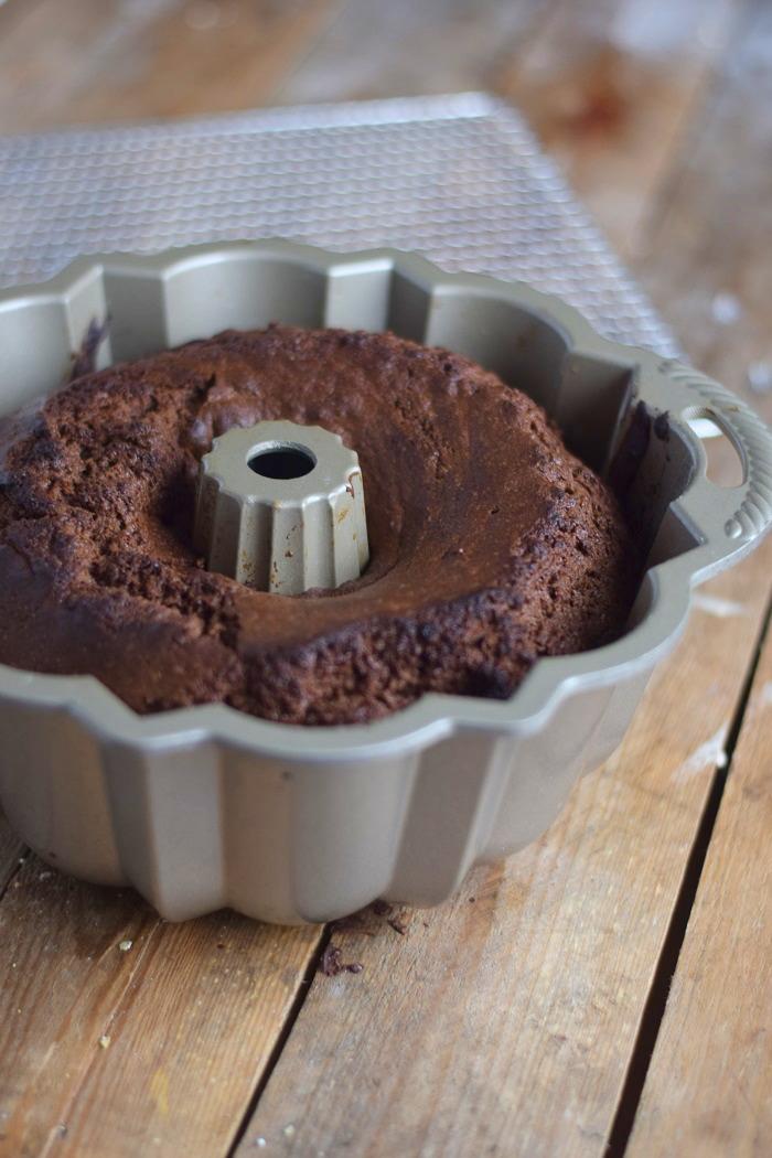 Baileys Schoko oder Eierlikör Schoko Gugelhupf Kuchen - Baileys Chocolate Bundt Cake (1)