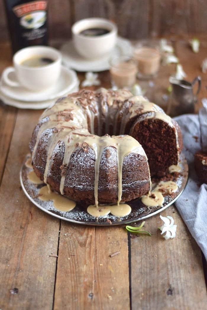 Baileys Schoko oder Eierlikör Schoko Gugelhupf Kuchen - Baileys Chocolate Bundt Cake (17)