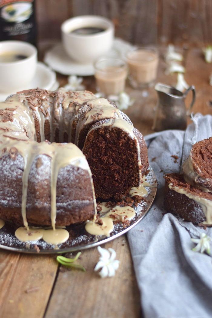 baileys schoko oder eierlik r schoko gugelhupf kuchen baileys chocolate bundt cake das. Black Bedroom Furniture Sets. Home Design Ideas