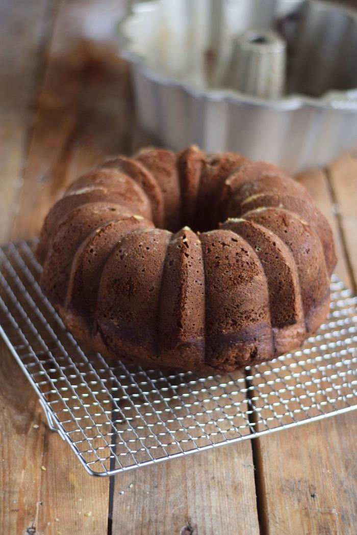 Baileys Schoko oder Eierlikör Schoko Gugelhupf Kuchen - Baileys Chocolate Bundt Cake (2)