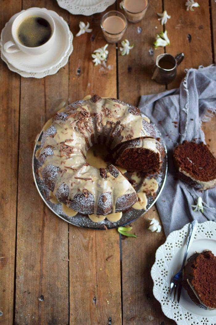 Baileys Schoko oder Eierlikör Schoko Gugelhupf Kuchen - Baileys Chocolate Bundt Cake (21)