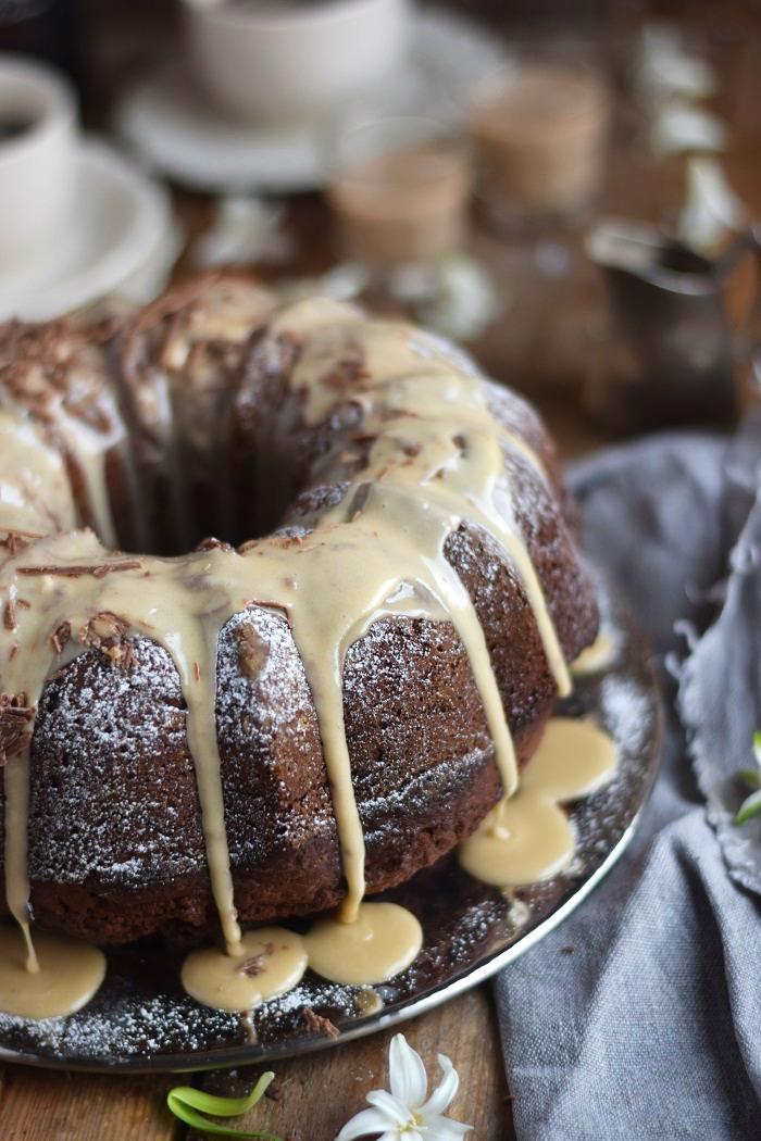 Baileys Schoko oder Eierlikör Schoko Gugelhupf Kuchen - Baileys Chocolate Bundt Cake (6)