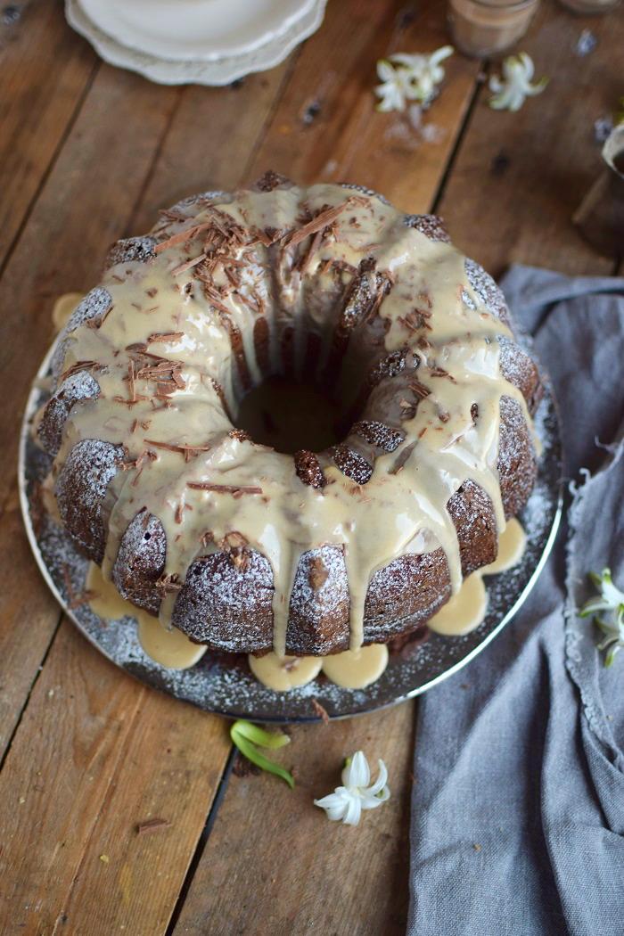 Baileys Schoko oder Eierlikör Schoko Gugelhupf Kuchen - Baileys Chocolate Bundt Cake (9)