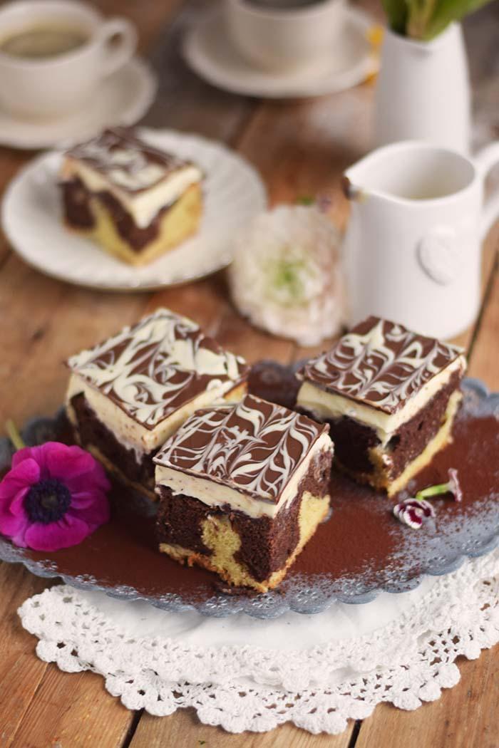 Donauwelle - Chocolate Vanilla Cake with Cherries Donauwelle Schokoladig Cremiger Klassiker (11)
