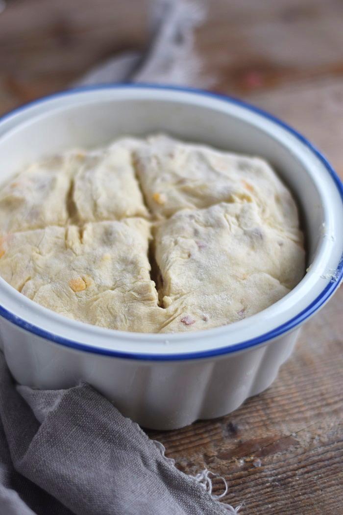 Irish Soda Bread with Cheddar and Bacon - Einfaches Brot ohne Wartezeit mit Käse und Bacon (2)