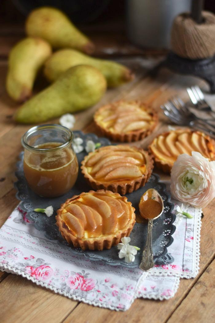 Karamellisierte Birnen Quark Tarte - Caramelized Pear Tart with Cheesecake Filling (1)