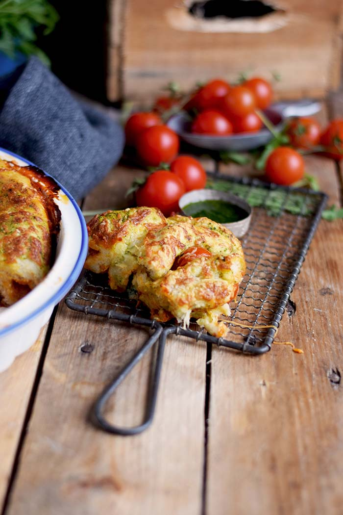 Pizza Pinwheel mit Tomaten und Mozzarella - Pizza Roll with Tomatoes and Mozzarella Cheese (6)