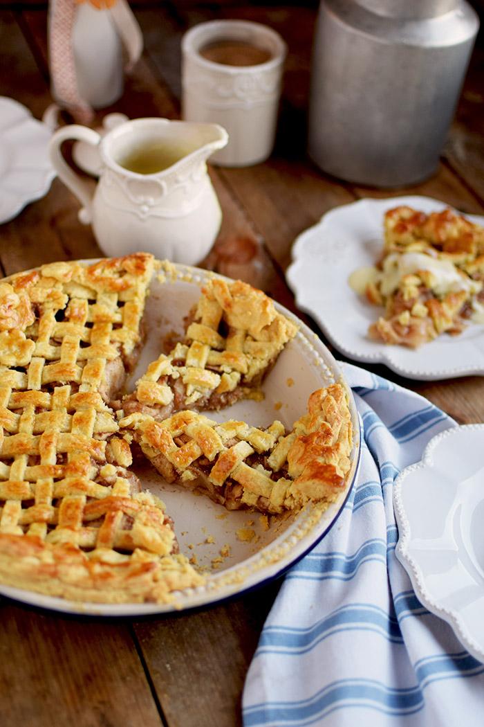 Lattice Apple Pie - Apfelkuchen mit knuspriger Gitter Decke (16)