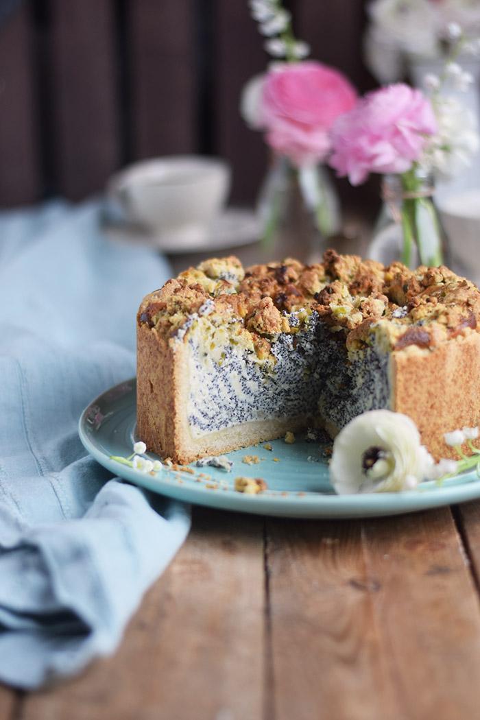 Mohn Streusel Quark Kuchen - Poppy Seed Crumble Cheesecake (13)
