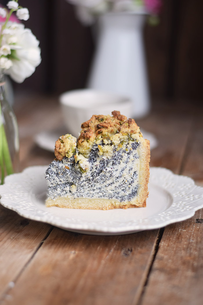 Mohn Streusel Quark Kuchen - Poppy Seed Crumble Cheesecake (9)