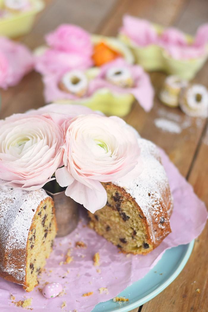 Vanille Stracciatella Gugelhupf mit Schokolade - Vanilla Bundt Cake with Chocolate Chunks (27)