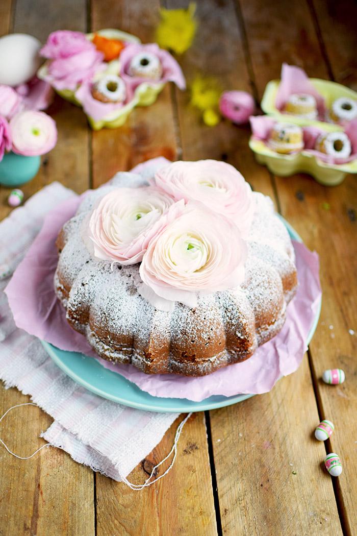 Vanille Stracciatella Gugelhupf mit Schokolade - Vanilla Bundt Cake with Chocolate Chunks (4)