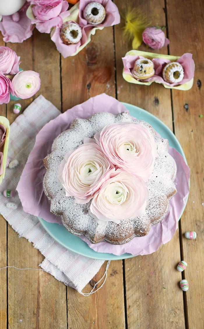 Vanille Stracciatella Gugelhupf mit Schokolade - Vanilla Bundt Cake with Chocolate Chunks (44)