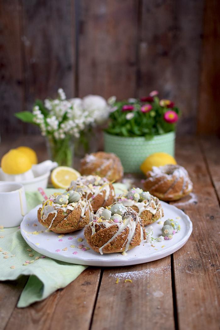 Zitronen Avocado Gugelhupf mit Schokoeiern - Lemon Avocado Bundt Cake (5)