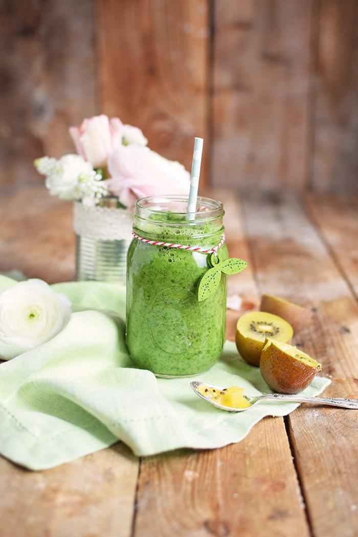 Green Smoothie mit Spinat und Apfel Rezept (1)