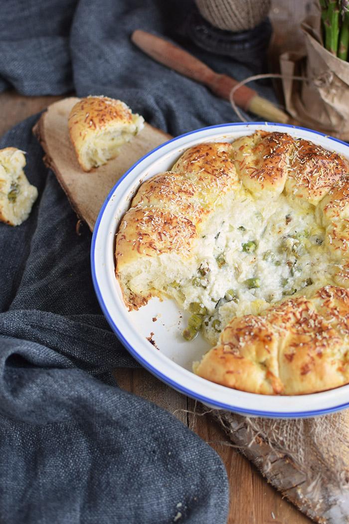 Joghurt Broetchen mit Spargel Dip - Yogurt Asparagus BBQ Rolls (29)