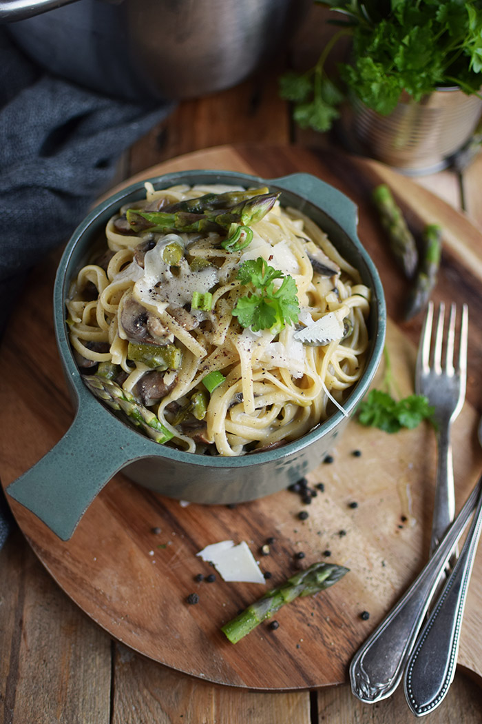 One Pot Pasta mit Pilzen und Spargel - One Pot Pasta with mushrooms and green asparagus (15)