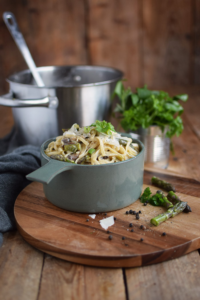 One Pot Pasta mit Pilzen und Spargel - One Pot Pasta with mushrooms and green asparagus (19)