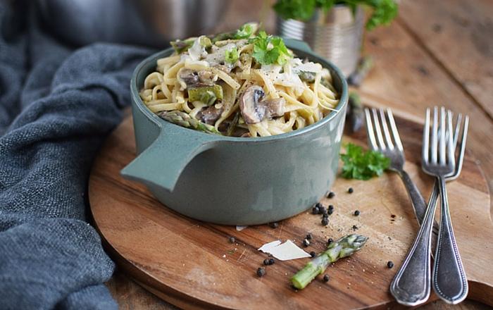 One Pot Pasta mit Pilzen und Spargel