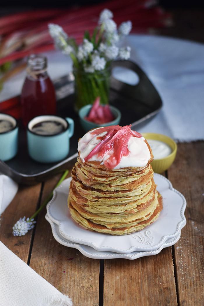 Pancake mit Rhabarber Sirup - Pancakes with rhubarb syrup (19)