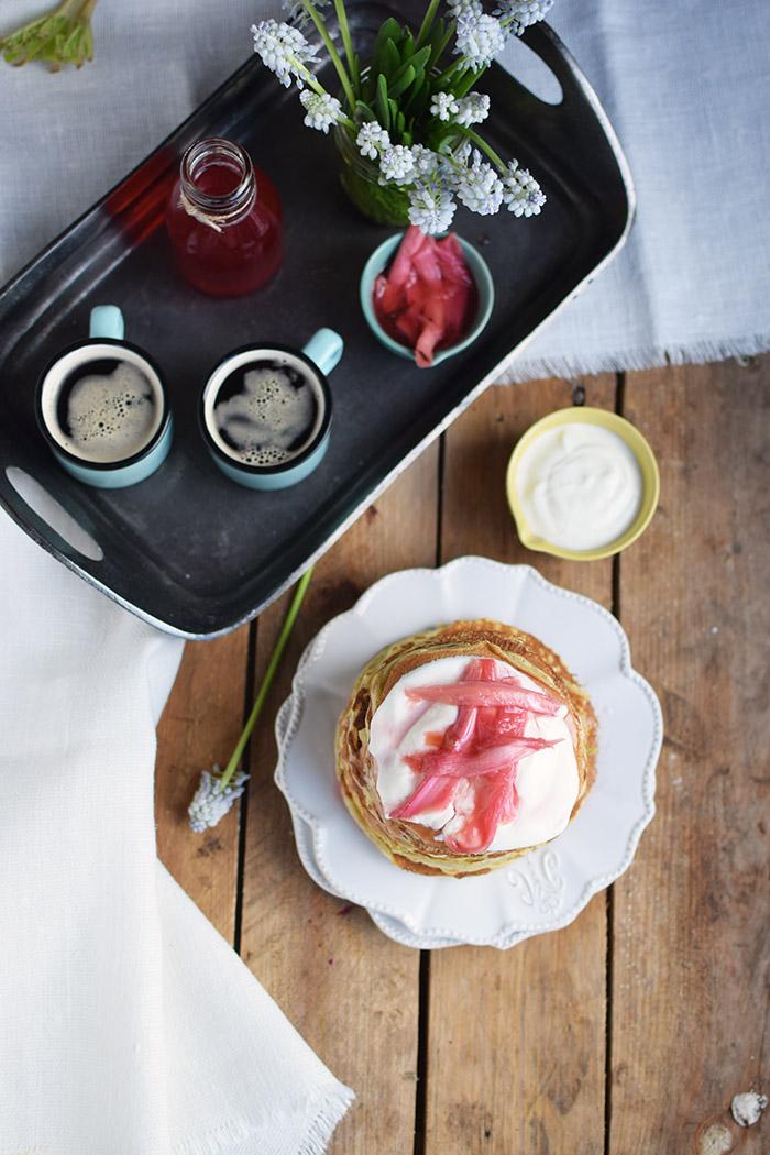 Pancake mit Rhabarber Sirup - Pancakes with rhubarb syrup (21)