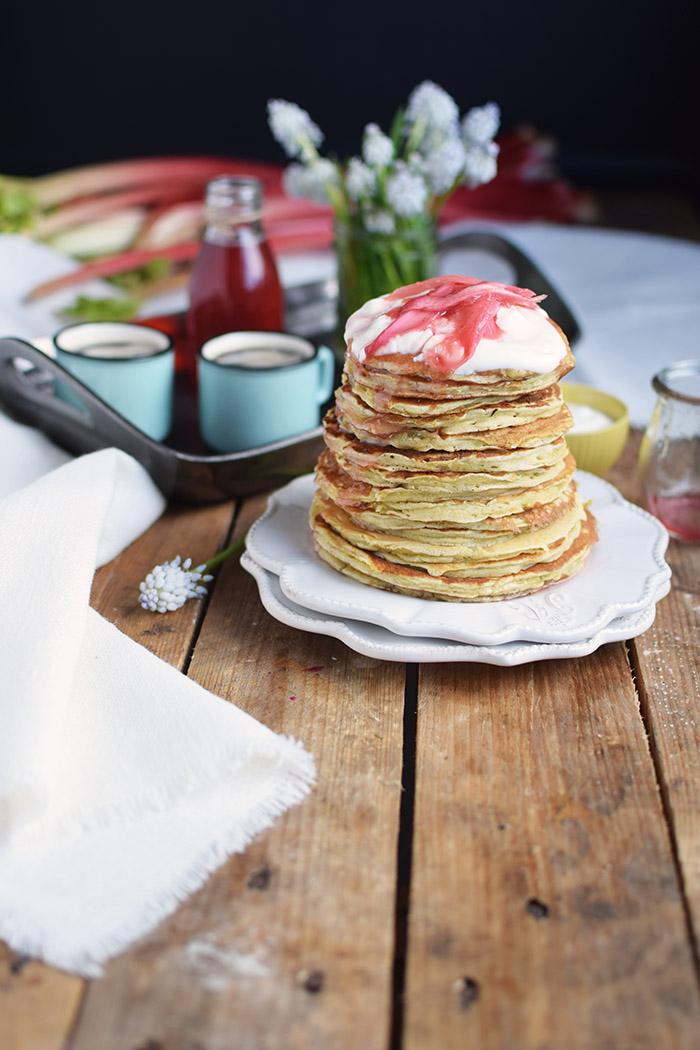 Pancake mit Rhabarber Sirup - Pancakes with rhubarb syrup (22)