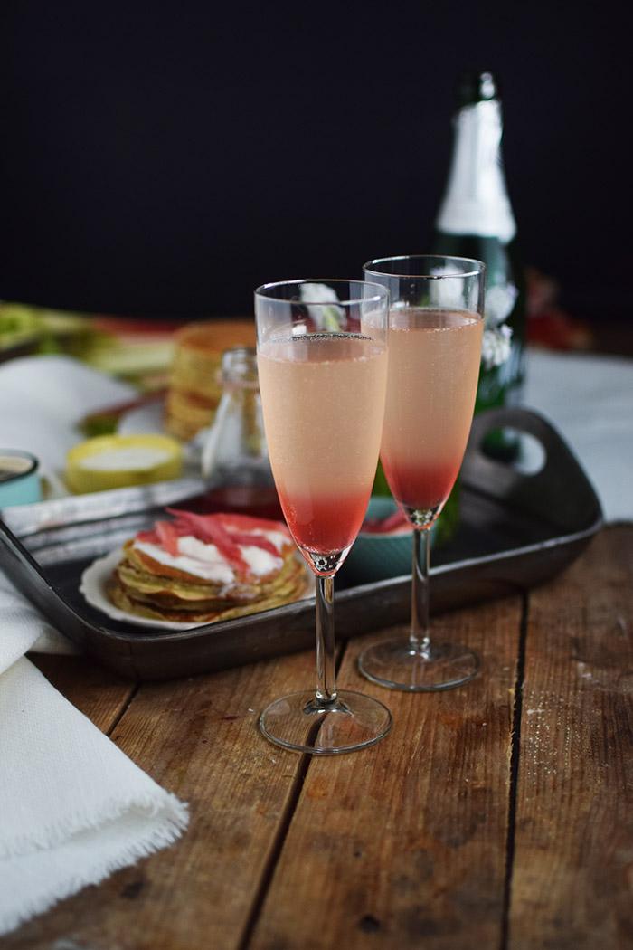 Pancake mit Rhabarber Sirup - Pancakes with rhubarb syrup (5)