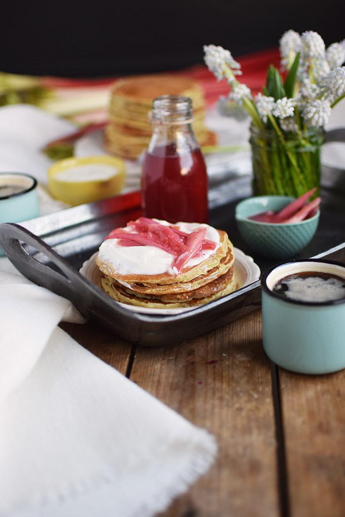 Pancake mit Rhabarber Sirup - Pancakes with rhubarb syrup (9)