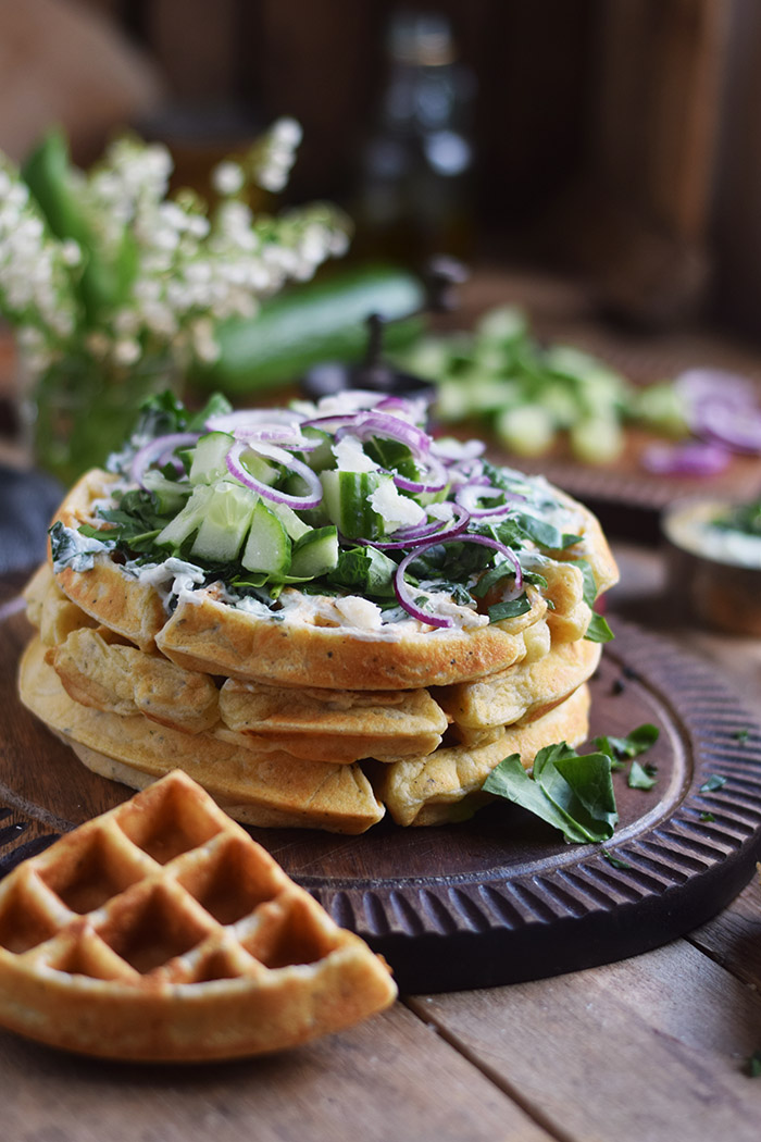 Quarkwaffeln mit Parmesan und Kraeutern - Waffles with Parmesan Cheese and ramp (14)