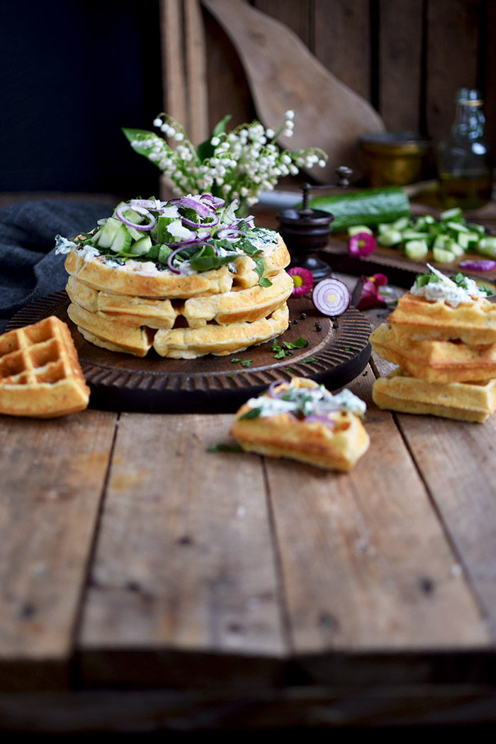 Quarkwaffeln mit Parmesan und Kraeutern - Waffles with Parmesan Cheese and ramp (3)